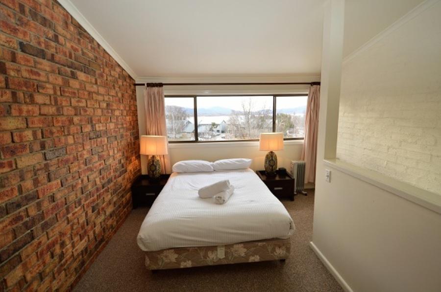 Ellswood 6, Jindabyne - Bedroom 1