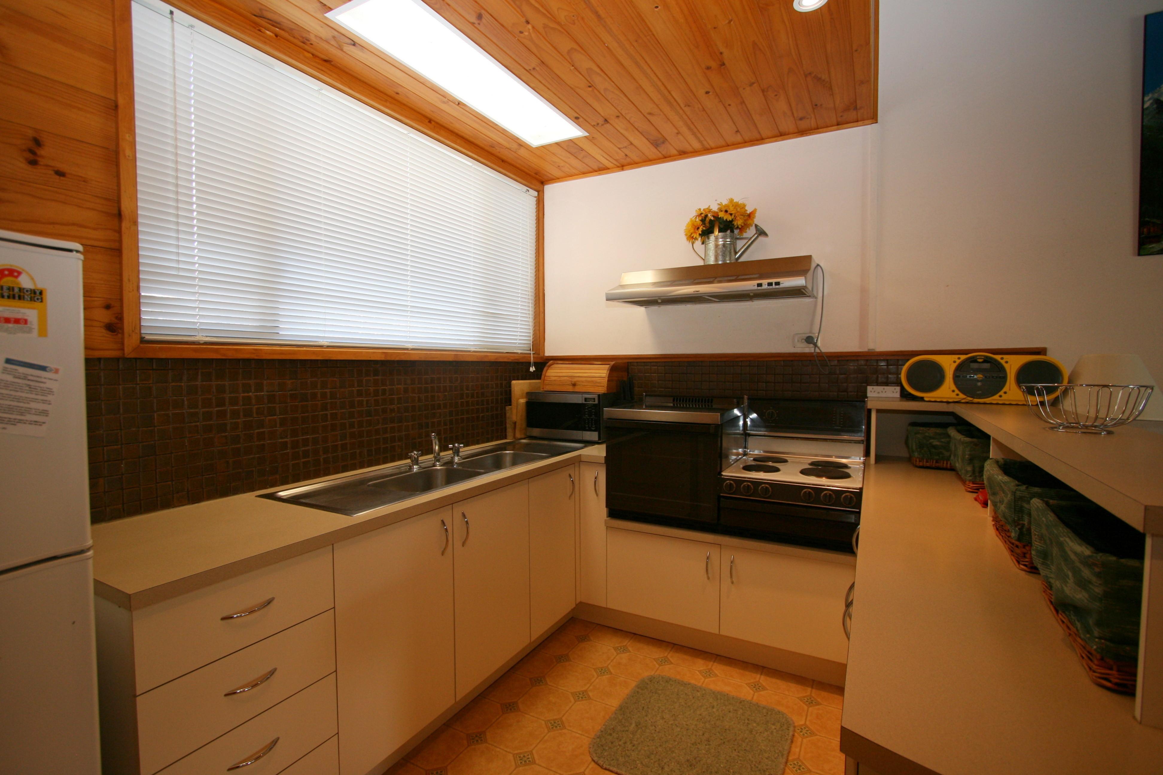Grindelwald 1, Jindabyne - Kitchen
