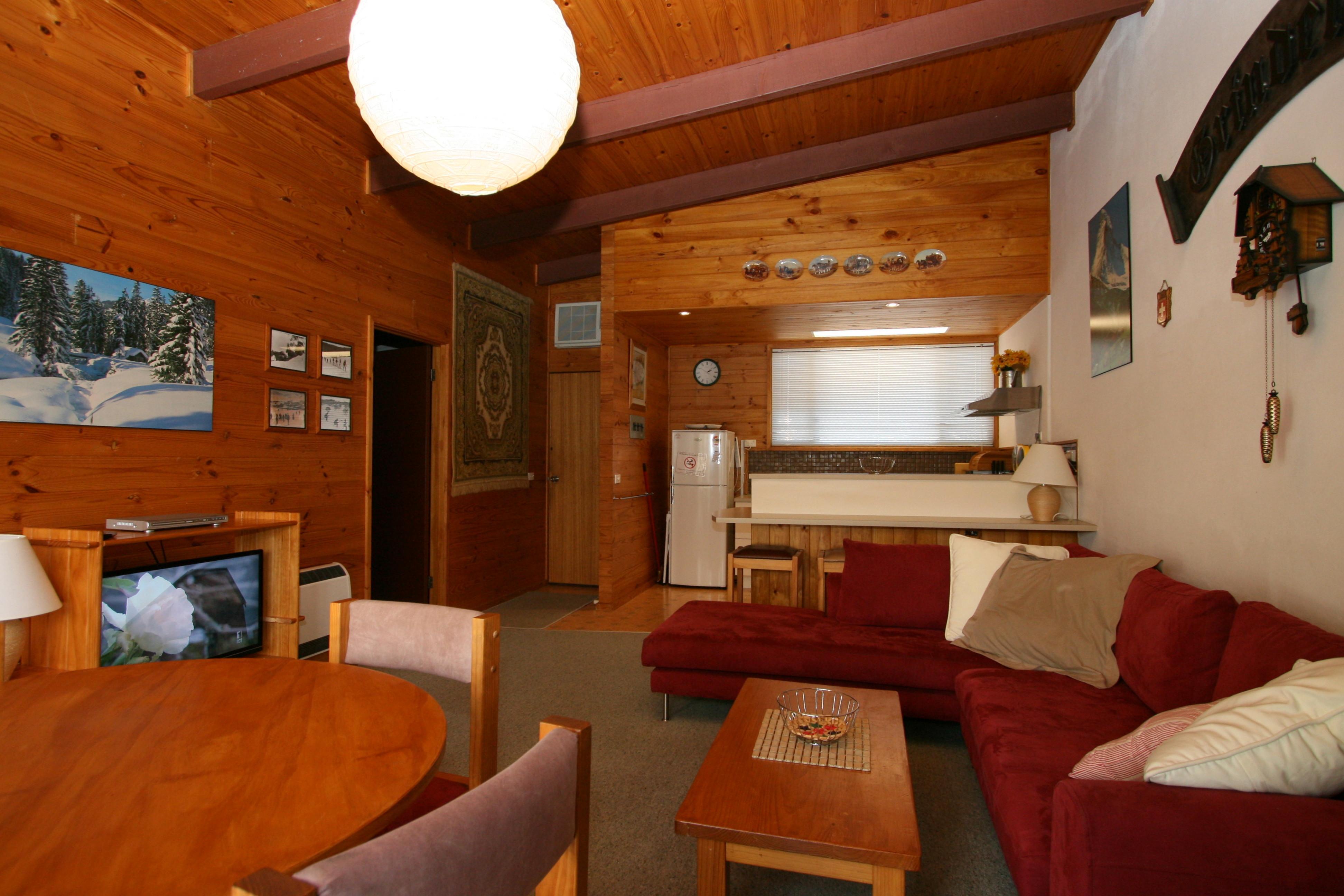 Grindelwald 1, Jindabyne - Living Room