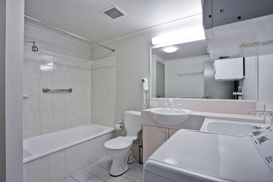Horizons 321, Jindabyne - Bathroom
