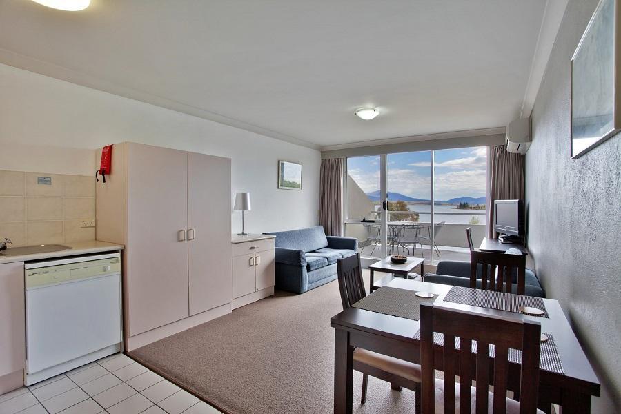 Horizons 321, Jindabyne - Living Room