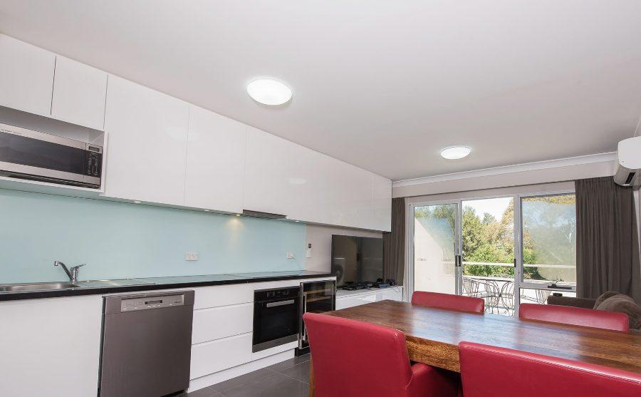 Horizons 518, Jindabyne - Kitchen and Dining