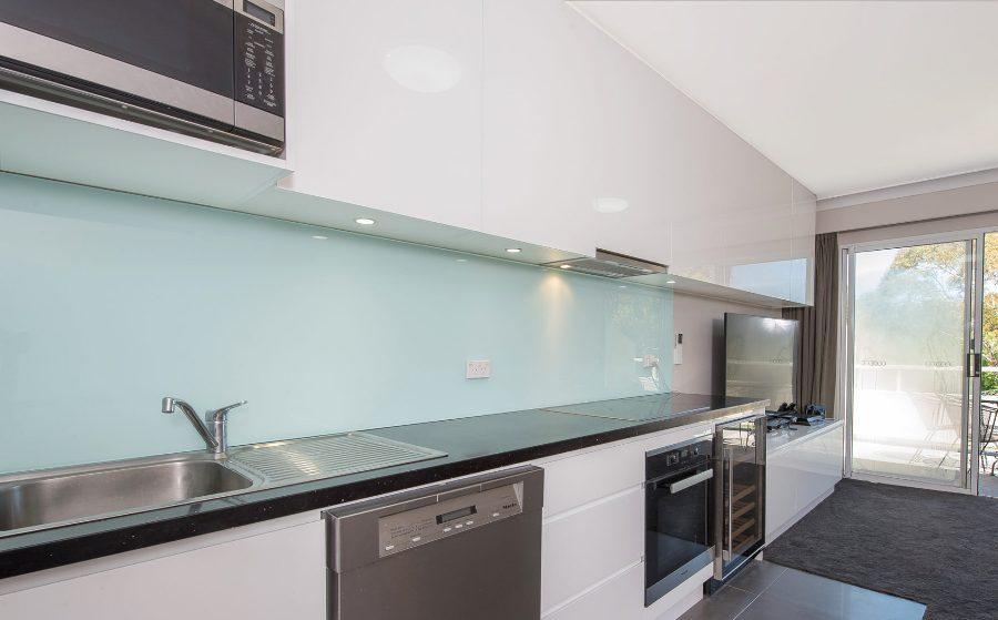 Horizons 518, Jindabyne - Kitchen