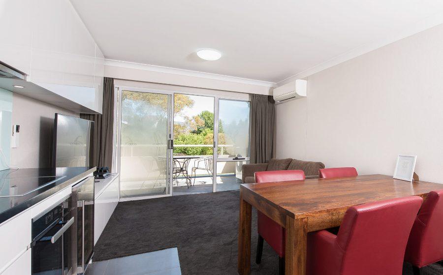 Horizons 518, Jindabyne - Lounge and Balcony