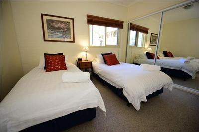 Inala 5, Thredbo - Bedroom 2