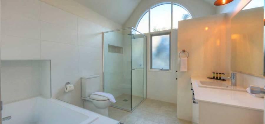 Indi Chalet, Thredbo - Bathroom