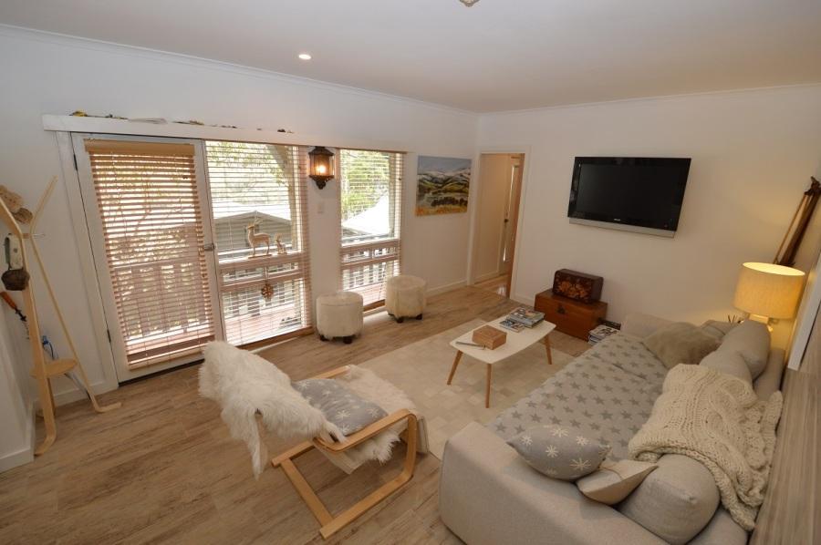 Karas 10, Thredbo - Lounge Room