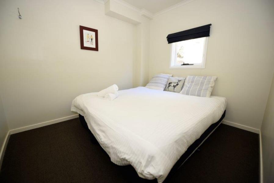 Karas 4, Thredbo - Bedroom 1