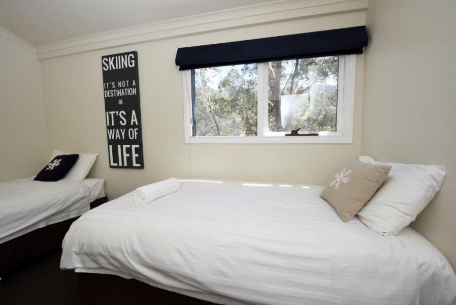Karas 4, Thredbo - Bedroom 2