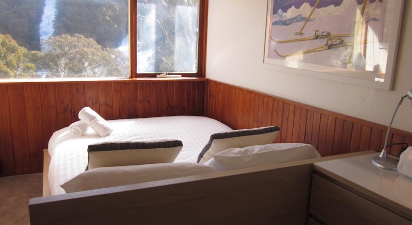 Karoonda 1, Thredbo - Bedroom
