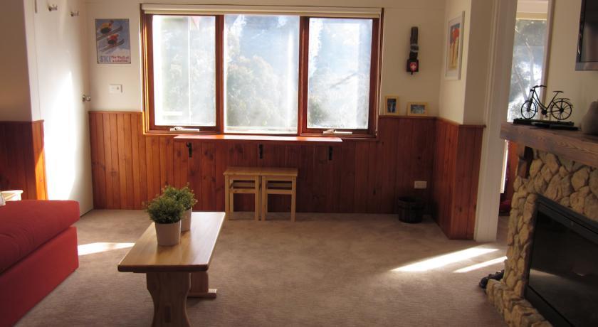 Karoonda 1, Thredbo - Lounge