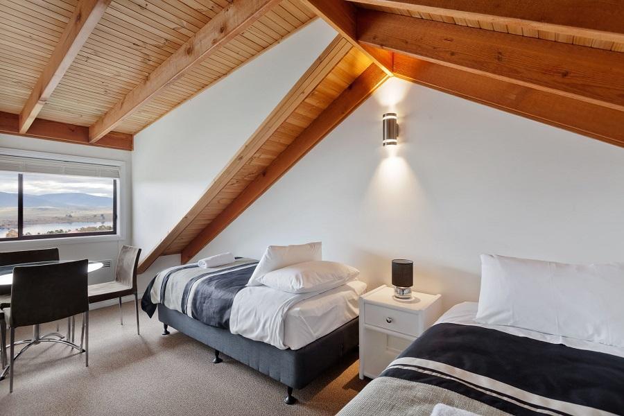 Kestrels Rest 1, Jindabyne - Bedroom