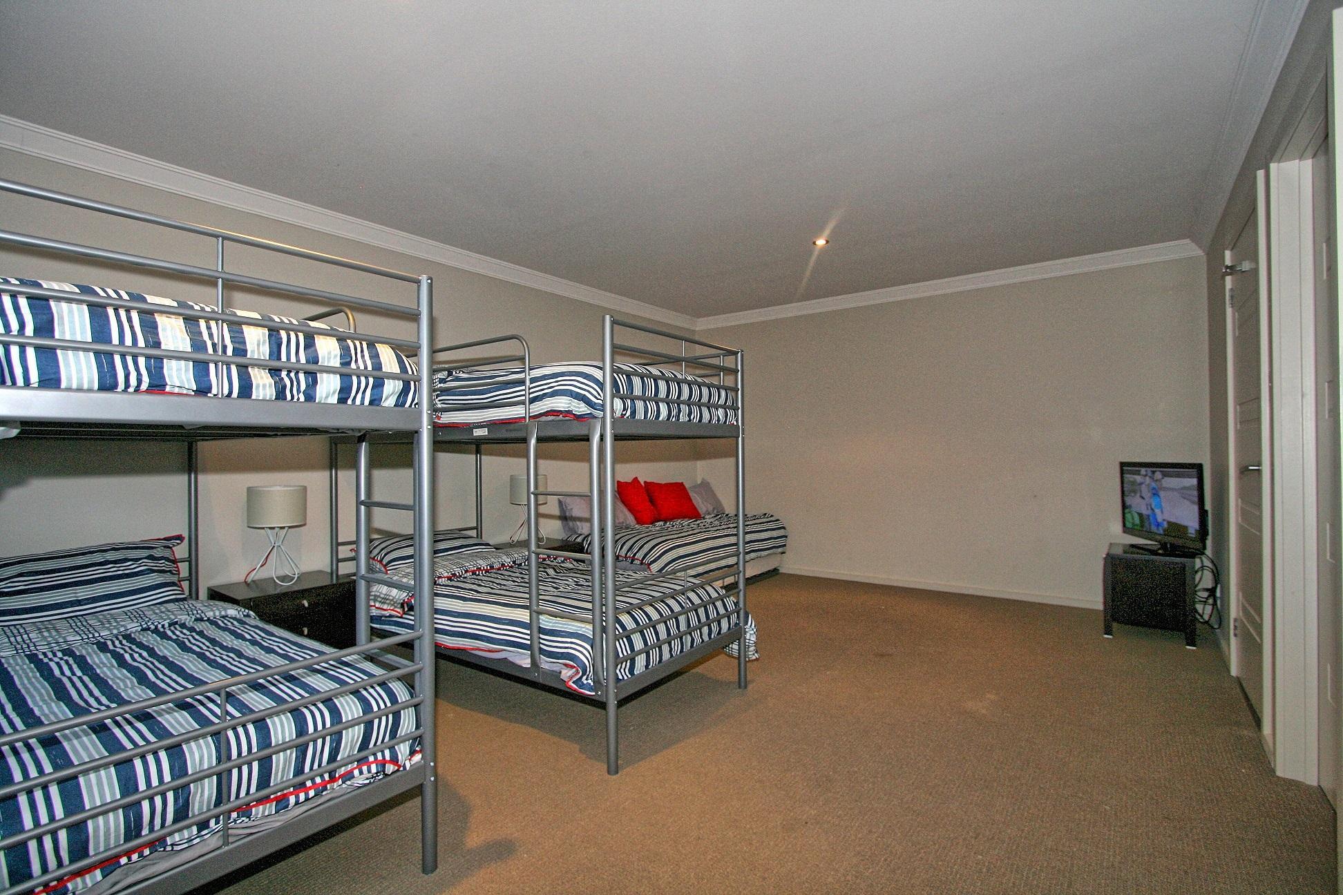 Khione 3, Jindabyne - Bedroom 3