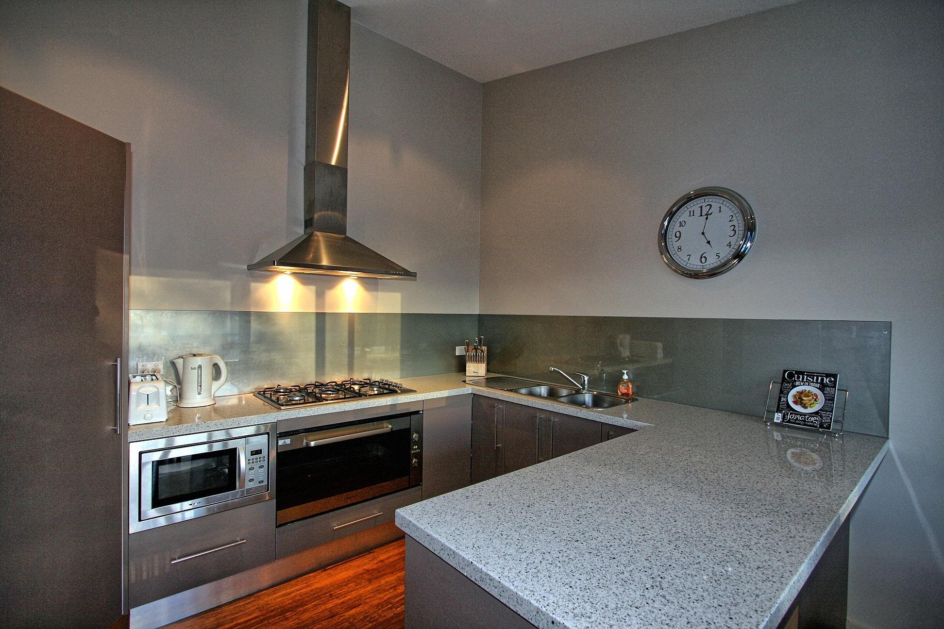 Khione 3, Jindabyne - Kitchen