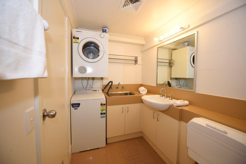 Kirkwood 2, Thredbo - Bathroom & Laundry