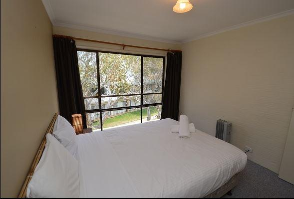 Kirwan 32, Jindabyne - Bedroom 1