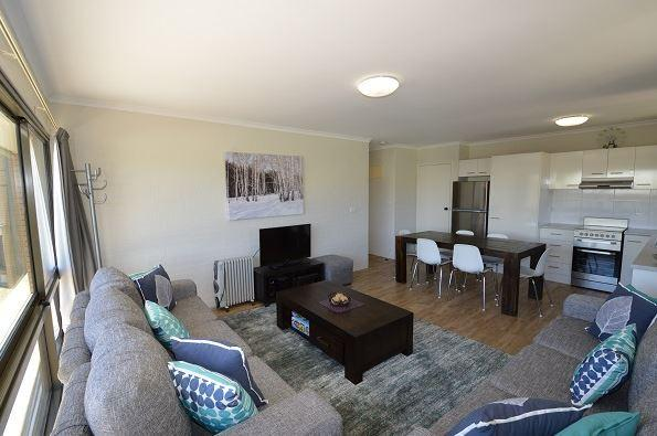 Kirwan 40, Jindabyne - Lounge Room