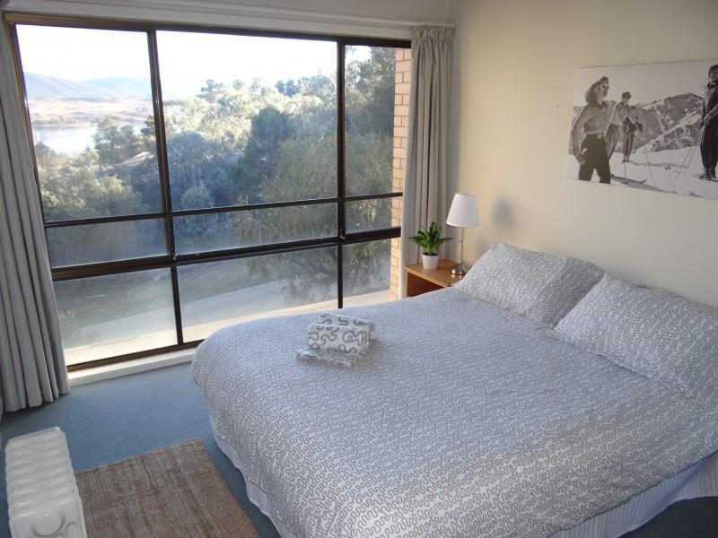 Kirwan 9, Jindabyne - Bedroom 1