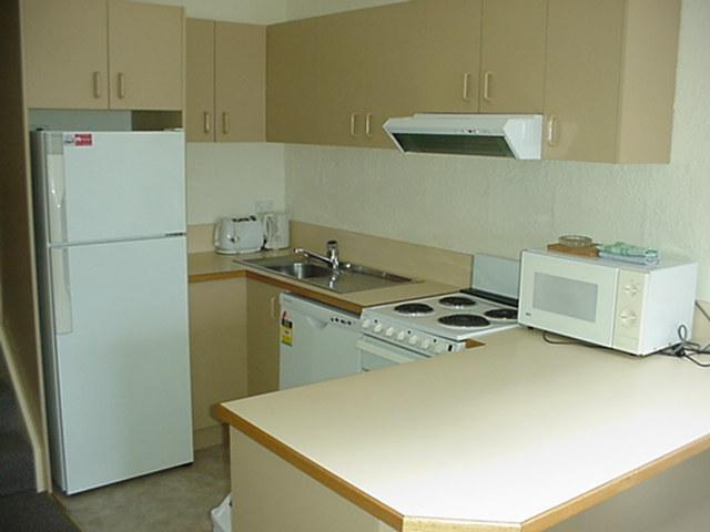 Parkwood 7, Jindabyne - Kitchen