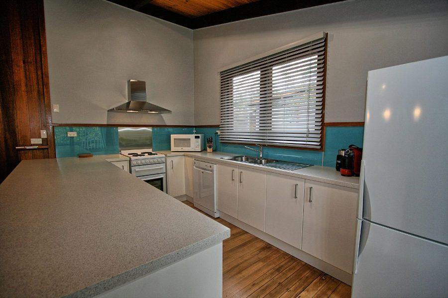 The Lakefront, Jindabyne - Kitchen