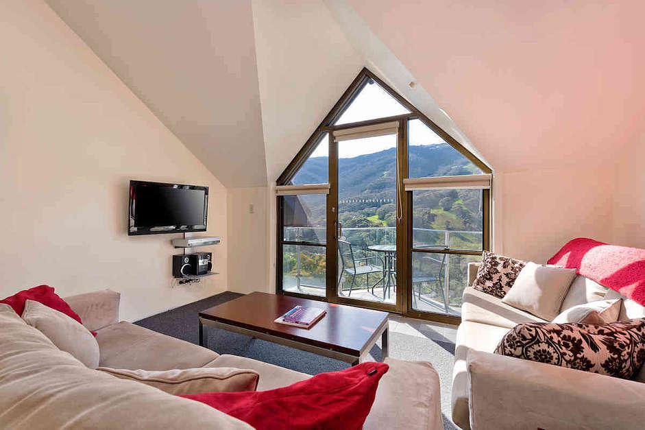 Lantern 31, 1 Bedroom Apartment with Balcony