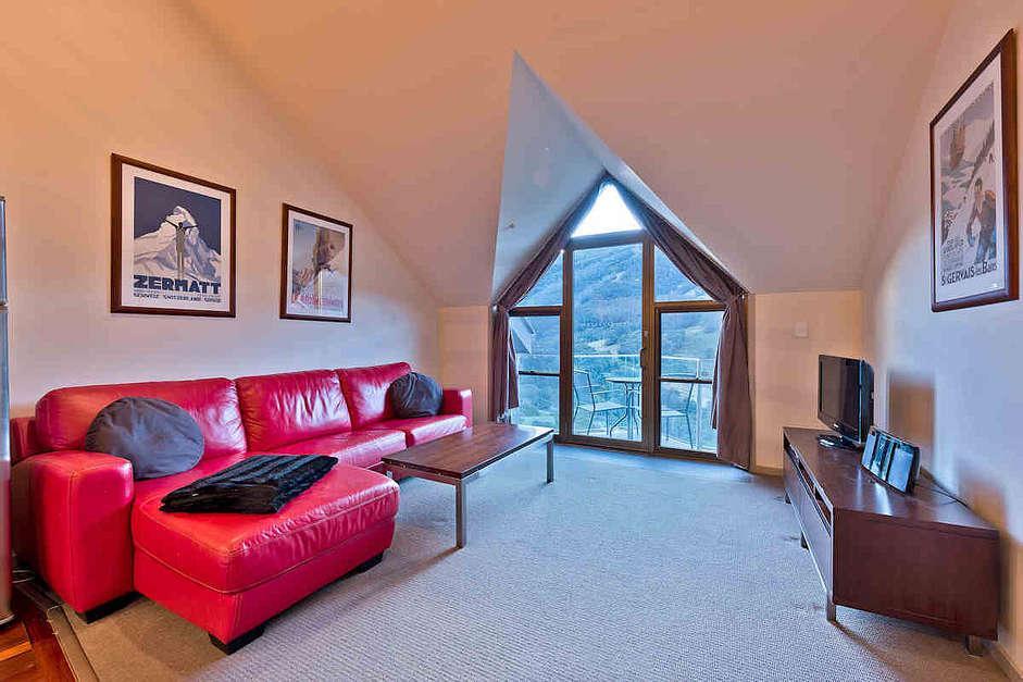Lantern 32, 1 Bedroom and Loft Apartment