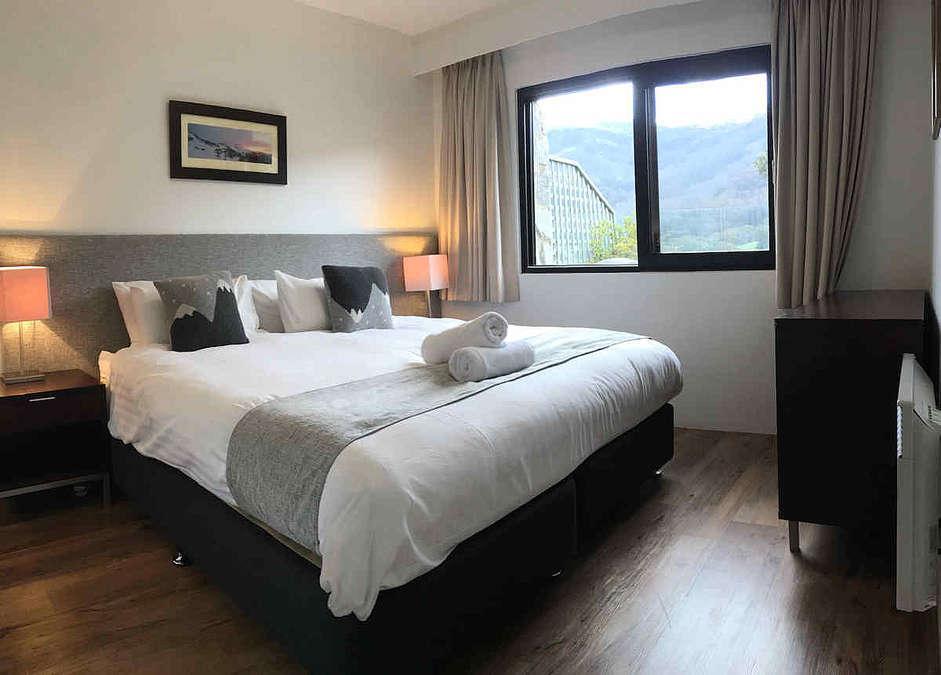 Lantern, Thredbo - Deluxe Bedroom