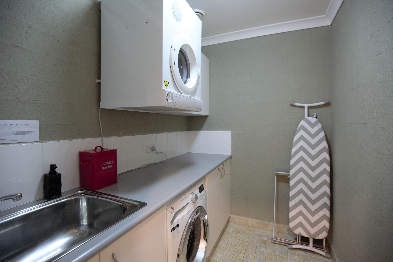 Cobb & Co 3, Jindabyne - Laundry