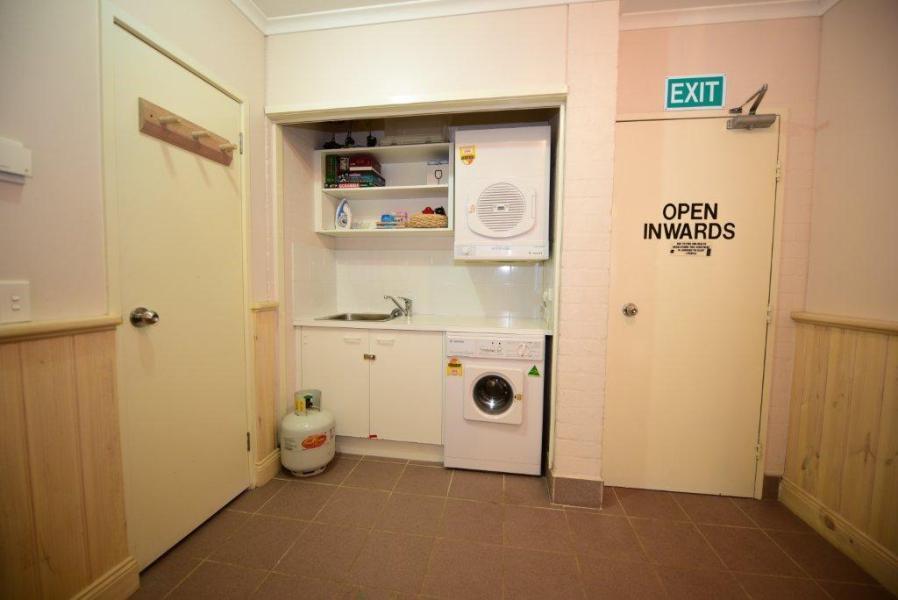 Inala 4, Thredbo - Laundry