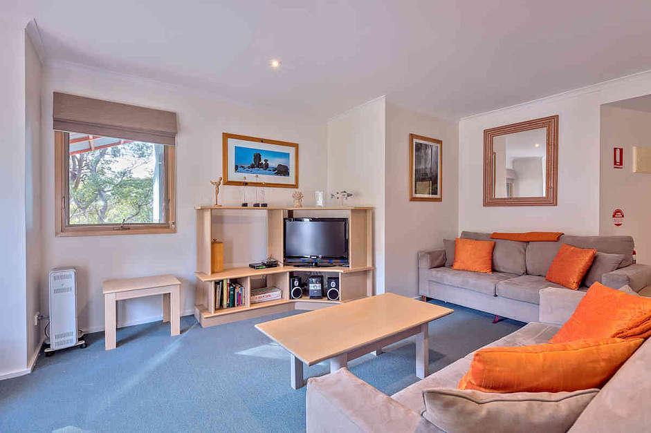 Lhotsky 7, Thredbo - Living Room