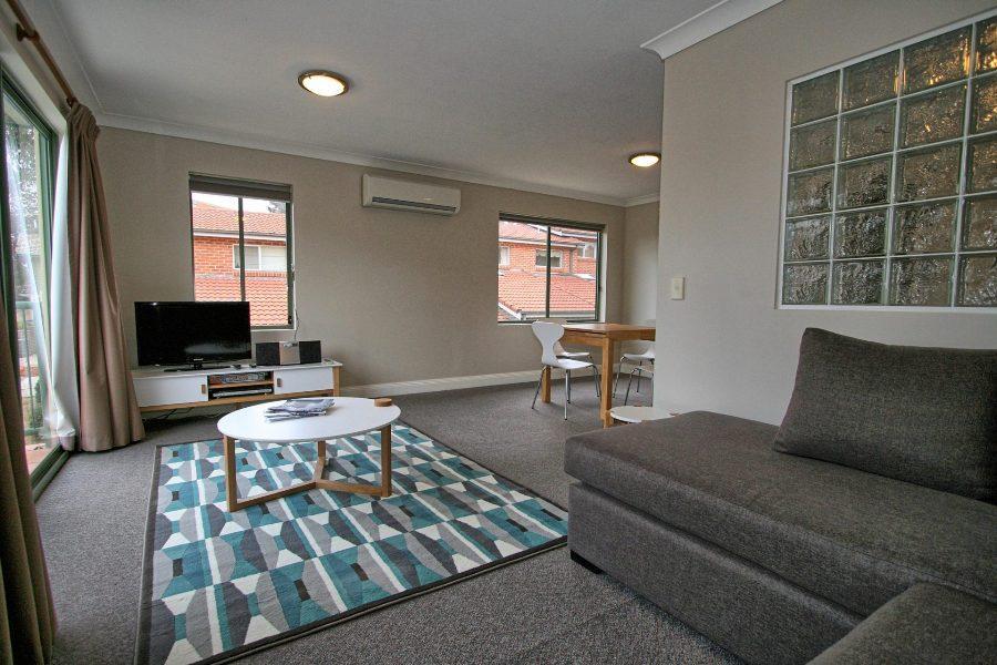 Cobb & Co 3, Jindabyne - Lounge Room