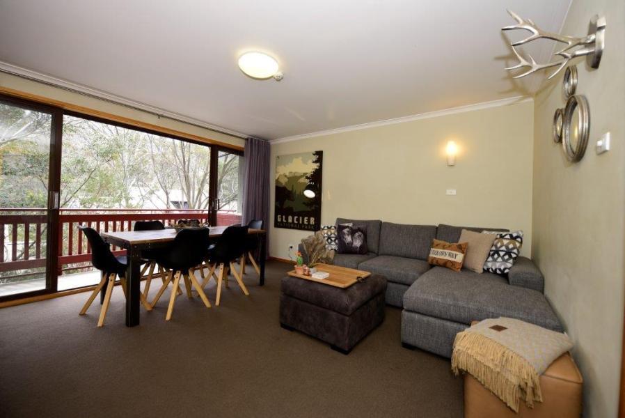 Mowamba E2, Thredbo - Living Room