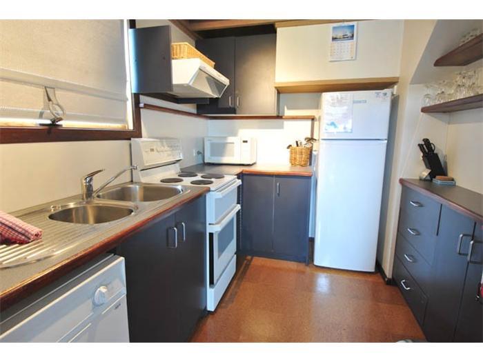 Magpies Nest, Thredbo - Kitchen