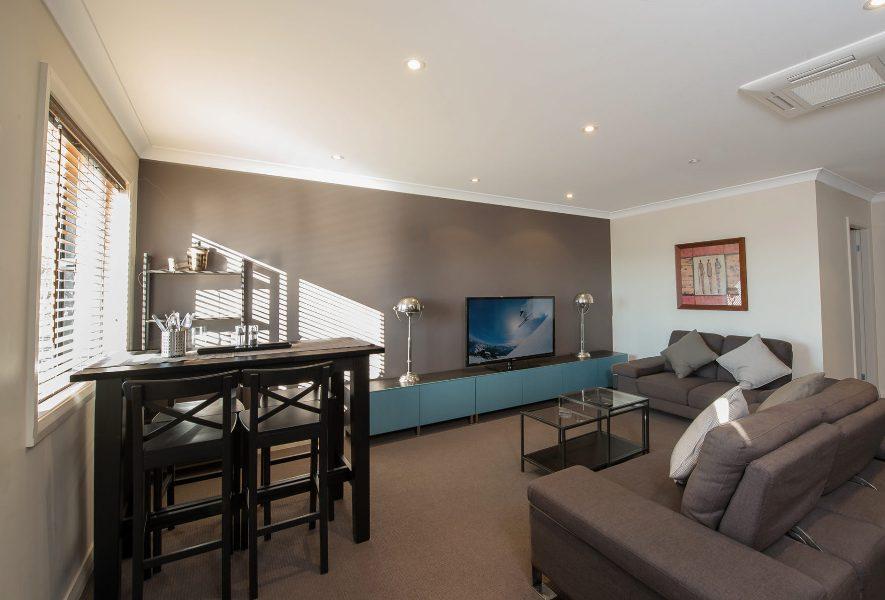 Maison Noir 2, Jindabyne - Living Room