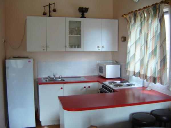 Mistral 2, Jindabyne - Kitchen