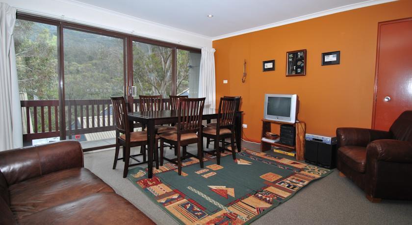 Mowamba D2, Thredbo - Living Room