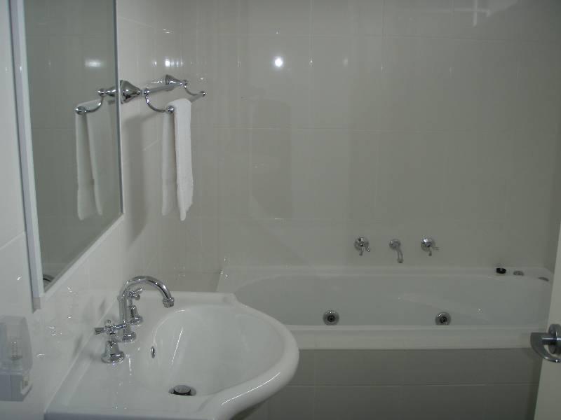 Northstar 10, Jindabyne - Bathroom