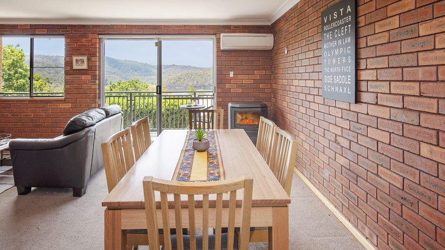 Ollies Place, Jindabyne - Living