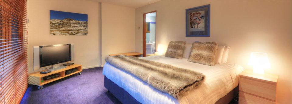 Paringa, Thredbo - Master Bedroom