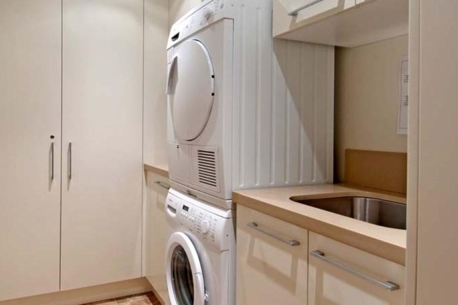 Peak 2, Thredbo - Laundry