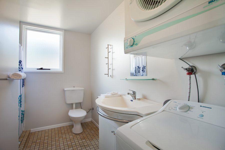 Randalls Place, Jindabyne - Bathroom, Laundry