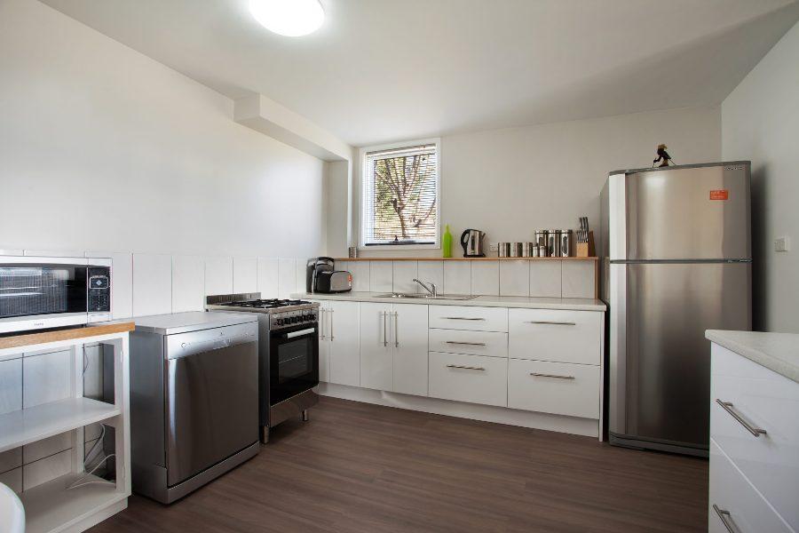 Randalls Place, Jindabyne - Kitchen