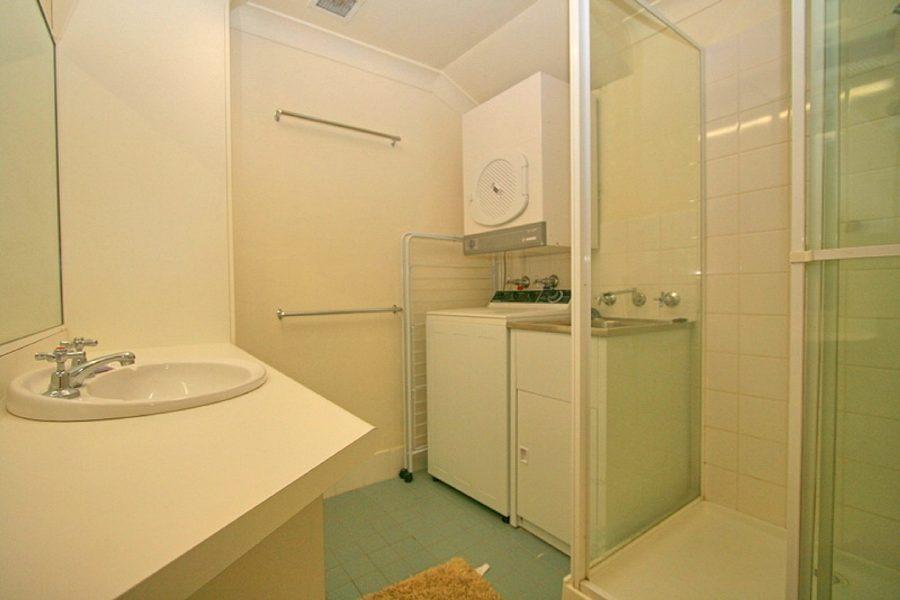 Razorback 13, Jindabyne - Bathroom