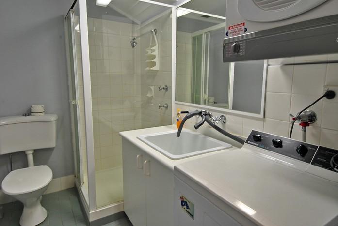 Razorback 14, Jindabyne - Bathroom