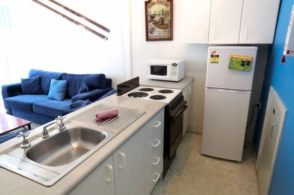 Razorback 4, Jindabyne - Kitchen