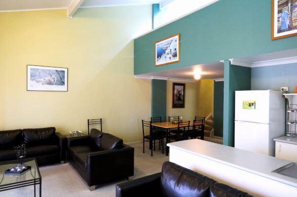 Razorback 8, Jindabyne - Living Area