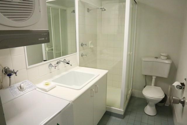 Razorback 9, Jindabyne - Bathroom