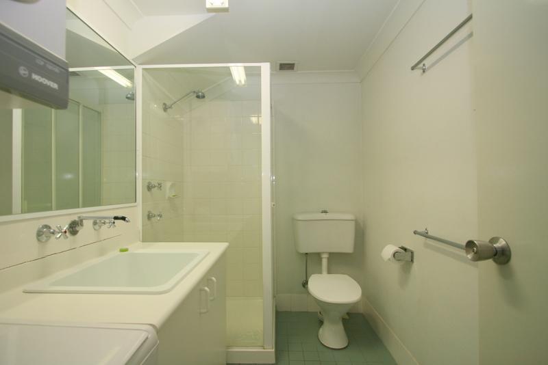 Razorback 12, Jindabyne - Bathroom