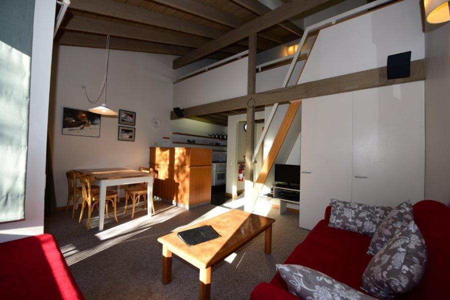 Riverside Cabin 20
