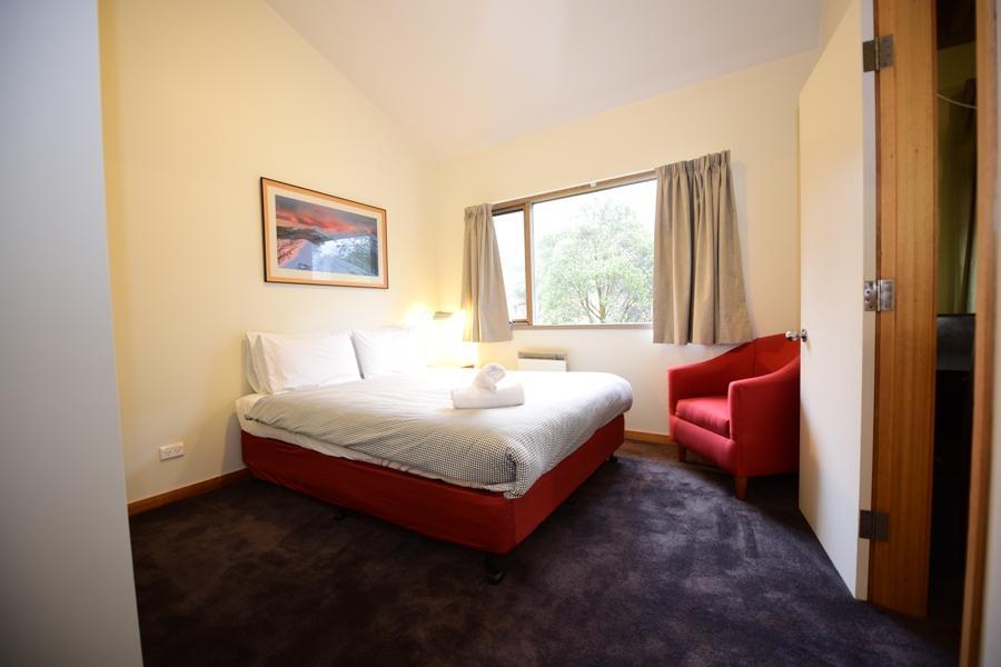 Riverside 40 - Bedroom 1